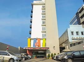 Amaris Hotel Pancoran, hotel near Kalibata City Square, Jakarta