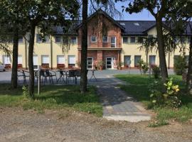 Dom Weselny Zielony Zakątek – hotel w Jarocinie