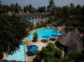 Travellers Beach Hotel, hotel in Mombasa