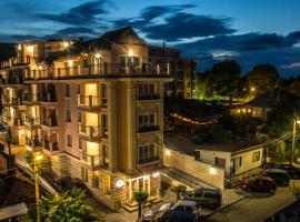 Sirena Palace Family Hotel, hotel in Obzor