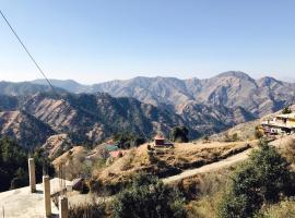 RidgeView Homestay near Lakkar Bazar, homestay in Shimla