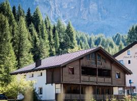 Chalet Albric, apartment in Selva di Val Gardena