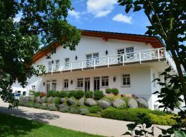 Reiterhof und Pension Eichenhof, Hotel in Haiger