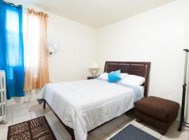 Studio and 1 Bedroom Apartments - Bronx, hotel in Bronx