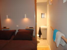 B&B EINDHOVENnearby, hotel near Eindhovensche Golf Club, Waalre
