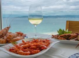 Hotel Restaurante Loureiro, hotel cerca de Playa de Silgar, Bueu