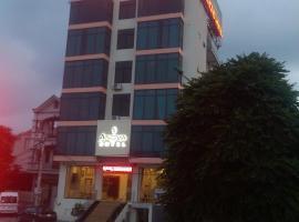Anova Airport Hotel, family hotel in Noi Bai