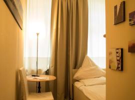 Hotel Monte Christo, hotel near Musical Dome Köln, Cologne