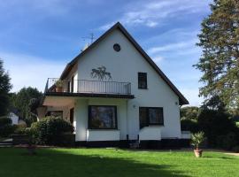 Villa Heidi, hotel near Seilbahn Burg, Solingen