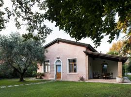 Casa Lunia, hotel near Museum M9, Mestre