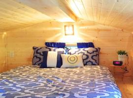 Leavenworth Camping Resort Tiny House Belle, tiny house in Leavenworth