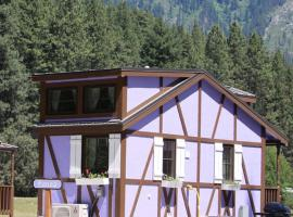 Leavenworth Camping Resort Tiny House Hanna, tiny house in Leavenworth
