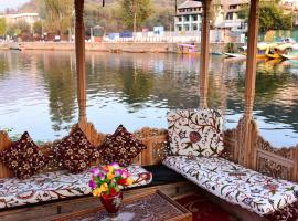 White House Group Of Houseboats, boat in Srinagar