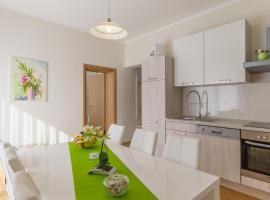 Apartment Snježana, hotel in Slunj