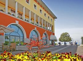 Hotel Vela D'oro ***S, hotel in Bardolino