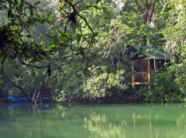Campamento Rio Lacanja, hôtel à Lacanjá