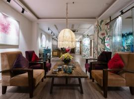 Asian Ruby Center Point Hotel, hotel near Nha Rong Wharf, Ho Chi Minh City
