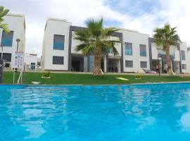 Penthouse La Zenia, Ferienwohnung in Playa Flamenca