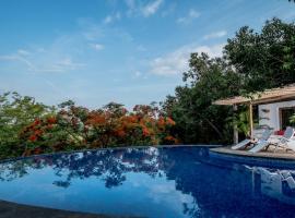 Capella, hotel near Club Cubana, Parra