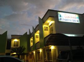 Danel Pensionne House, hotel in Tacloban
