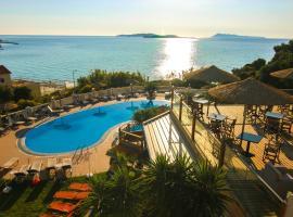 Terezas Hotel, hotel near Theotokos Monastery, Agios Stefanos