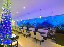 Hotel Esmeralda Select, hotel cerca de Torreón del Monje, Mar del Plata