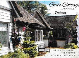 The Gate Cottage, hotel near Chichester Harbor, Itchenor