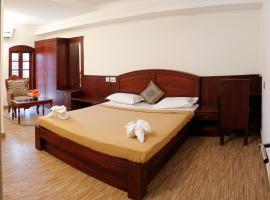 Hotel Park Avenue, hotel near National Shrine Basilica of Our Lady of Ransom, Cochin