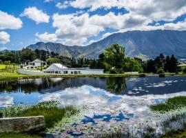 High Season Farm Self Catering Cottages, hotel in Hermanus