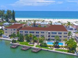 Westwinds Waterfront Resort, hotel near Treasure Island Golf Tennis Recreation Center, St Pete Beach