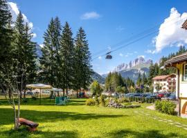 Hotel Villa Rosella Park & Wellness, hotel in Canazei