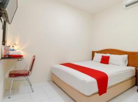 RedDoorz Plus near Ciputra World Kuningan 2, hotel in Jakarta