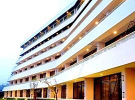 Surya Hotel & Cottages, hotel near Selecta Amusement Park, Tretes