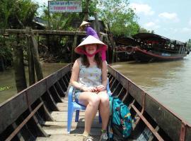 Quoc Phuong Riverside Homestay, khách sạn ở Bến Tre