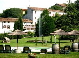 Resort La Mola, hotel en Sommacampagna