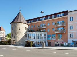 Hotel Goldene Rose, hotel in Brunico