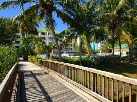 Sunrise Suites Antigua Suite #312, holiday home in Key West