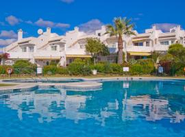 Beautiful sea view townhouse in Calahonda, hotell i Málaga