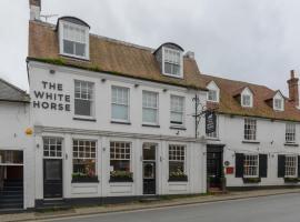 OYO White Horse Hotel, hotel in Storrington