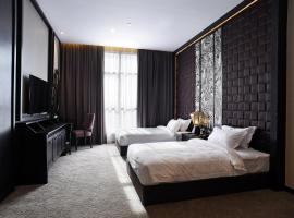 Vangohh Eminent Hotel & Spa, family hotel in Bukit Mertajam