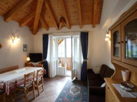 Casa Rubino lake & Dolomites, apartment in Molveno