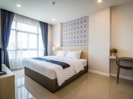 Triple Z Hotel, hotel near Baan Sillapin Artists' Village, Hua Hin