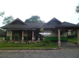 Fame Villa Yokohama Kota Bunga, villa in Puncak