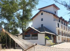 Casarão da Ducha Hotel, hotel near Baden Baden Beer House, Campos do Jordão