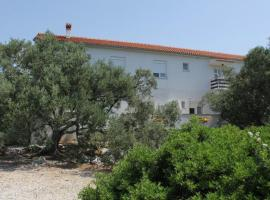Apartments with a parking space Bozava, Dugi otok - 8123, budget hotel in Božava