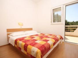 Apartment Bozava 8123a, hotel in Božava