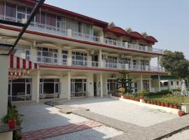 Skyview Holiday Home, hotel near Sukhna Lake, Chandīgarh