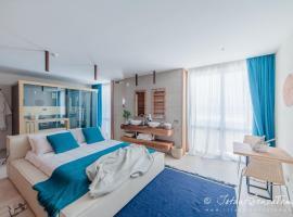 CUMEJA Beach Club & Hotel, hotell i Baia Domizia