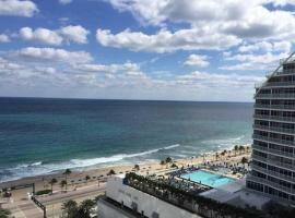 King suite in 5 star Hotel at Fort Lauderdale Beach, apartment in Fort Lauderdale