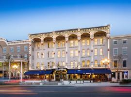 Adelphi Hotel, hotel near Hannaford Plaza Shopping Center, Saratoga Springs